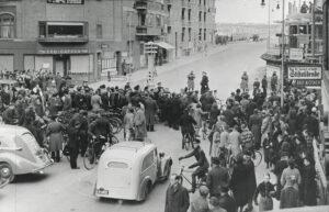 """Dags dato 9. april 1940: """"De danske Tropper forbliver i Besiddelse af deres vaaben, forsaavidt deres Optræden tillader det"""""""